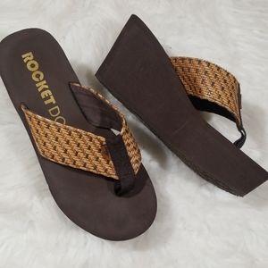 Rocket Dog flip flops platform sandals. Size 8